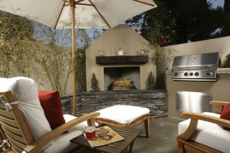 5 Benefits of Having an Outdoor Fireplace